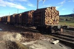 wagons chargés bois papier ITALIE